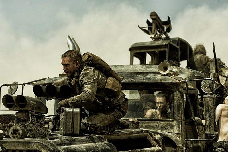 Tom Hardy e Charlize Theron em cena do filme