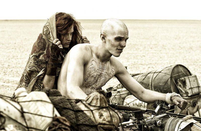 Riley Keough e Nicholas Hoult