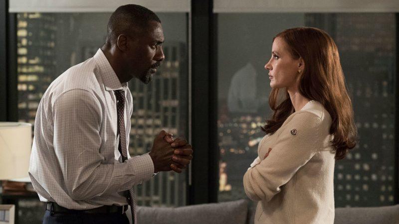 Idris Elba e Jessica Chastain em A Grande Jogada