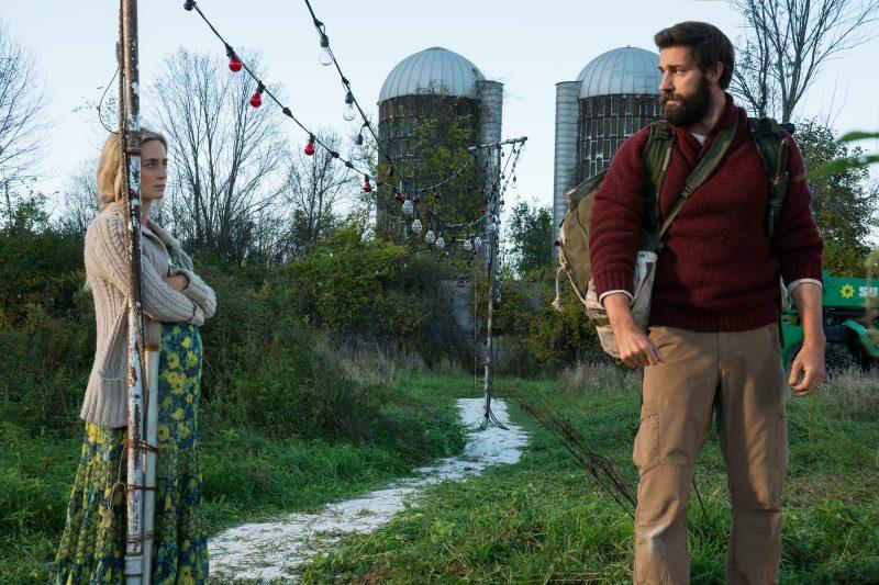 Emily Blunt e John Krasinski em cena de Um Lugar Silencioso