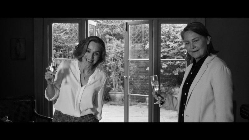 Kristin Scott Thomas (Janet) e Cherry Jones (Martha)