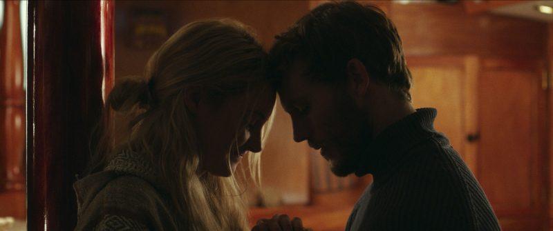Sam Claflin e Shailene Woodley se apaixonam em Vidas à Deriva