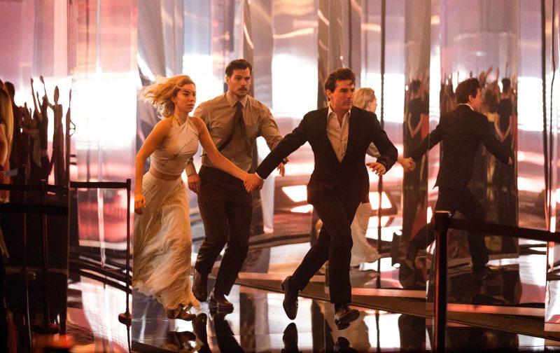 Henry Cavill, Vanessa Kirby e Tom Cruise em cena do filme