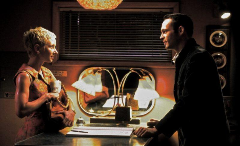 Anne Heche é Marion Crane e Vince Vaughn é Norman Bates no remake de Psicose