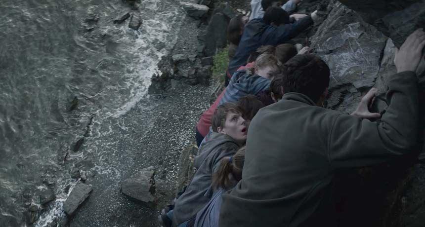 Jovens tentam se esconder pela ilha
