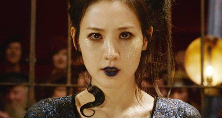 Claudia Kim como Nagini