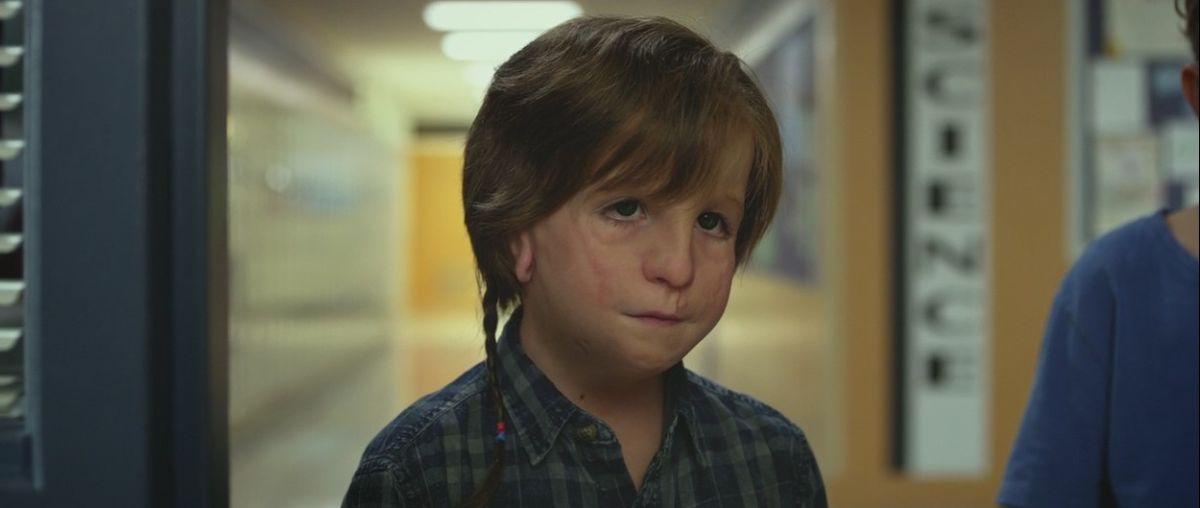 Jacob Tremblay como Auggie no filme de 2017