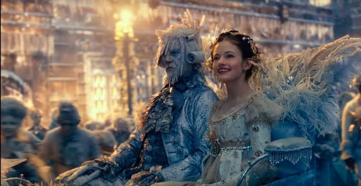 Mackenzie Foy como Clara