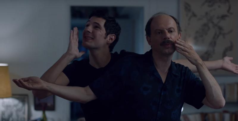 Vincent Lacoste e Denis Podalydès em cena do filme