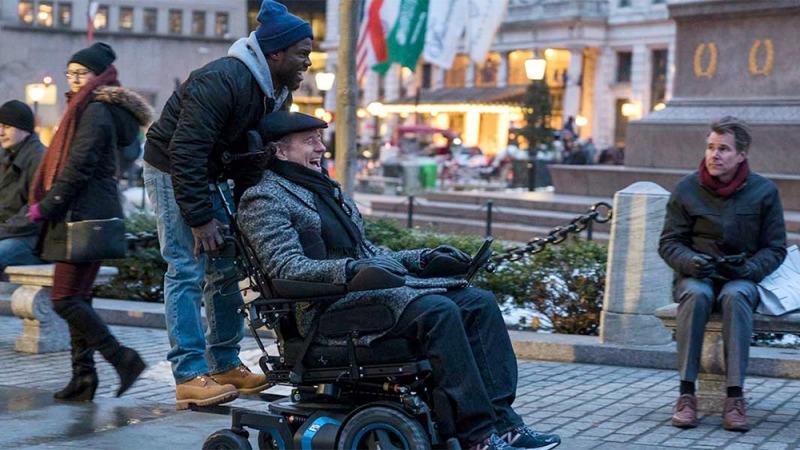 Kevin Hart e Bryan Cranston em cena do filme