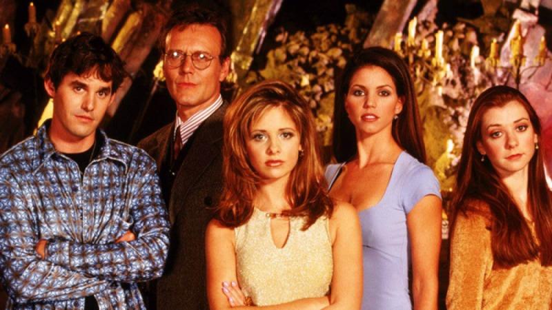 O elenco principal em uma das primeiras temporadas da série