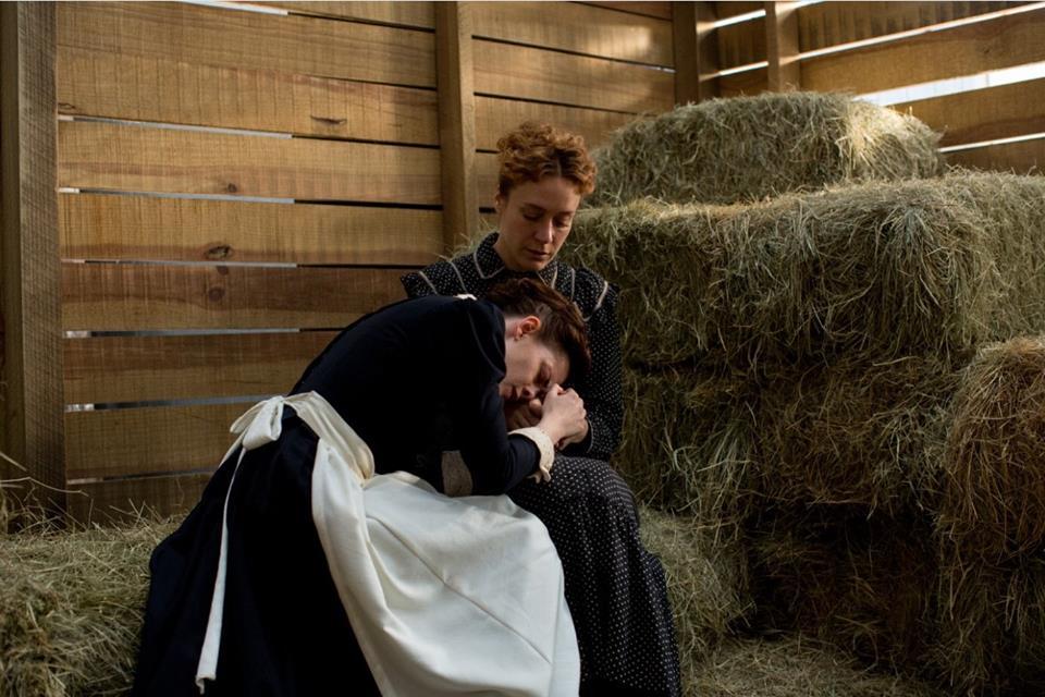O filme trata a relação de Lizzie e Bridget de maneira delicada