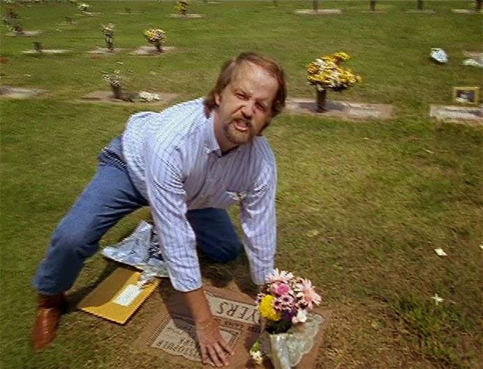 John Mark Byers, pai adotivo de Christopher em cena de Paradise Lost