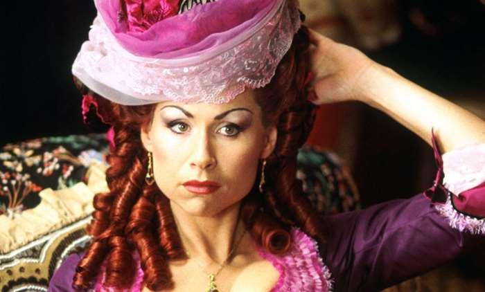 Minnie Driver como La Carlotta