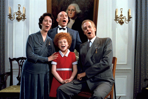 Annie e sua família adotiva