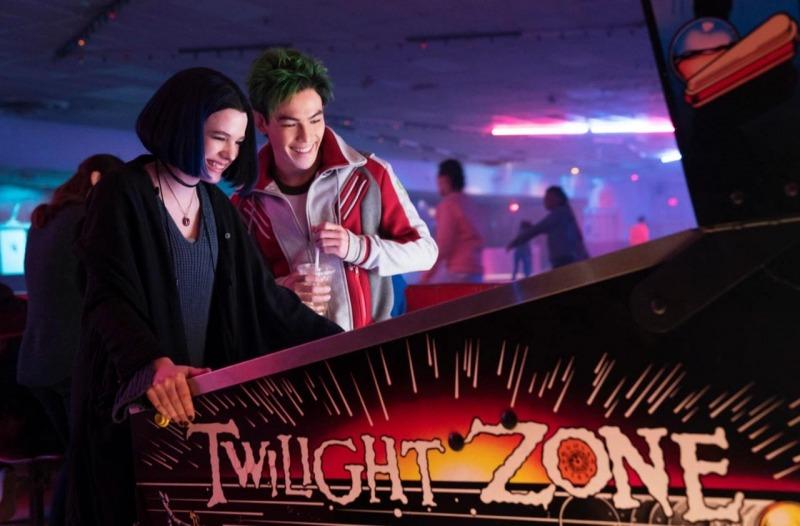 Ravena e Mutano se divertem no pinball