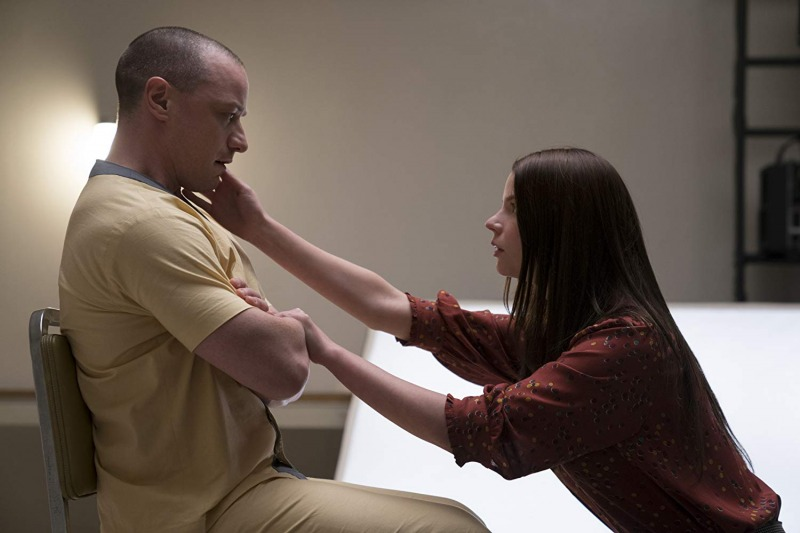 James McAvoy e Anya Taylor-Joy em cena de Vidro