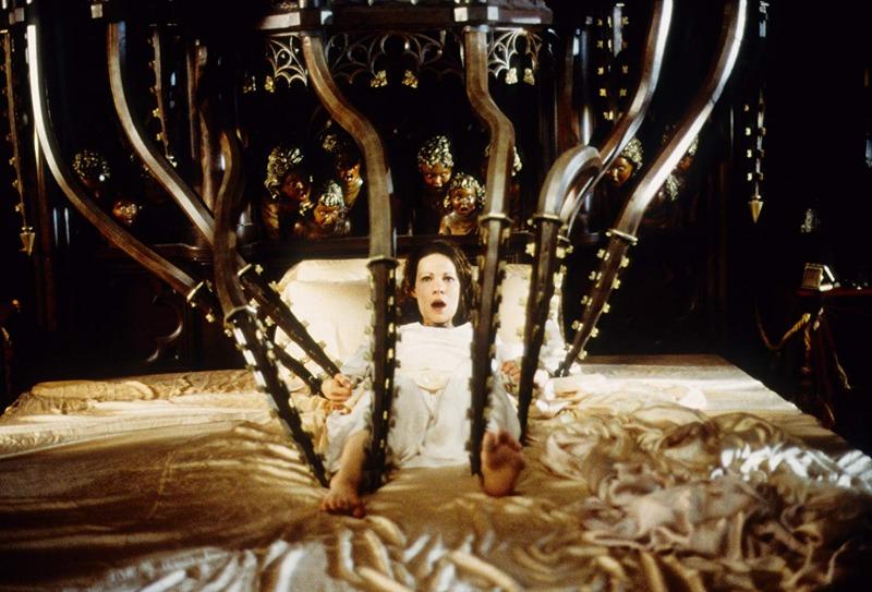 Lili Taylor como Eleanor