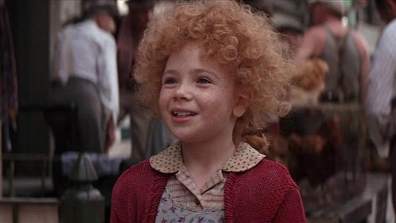 Aileen Quinn como Annie