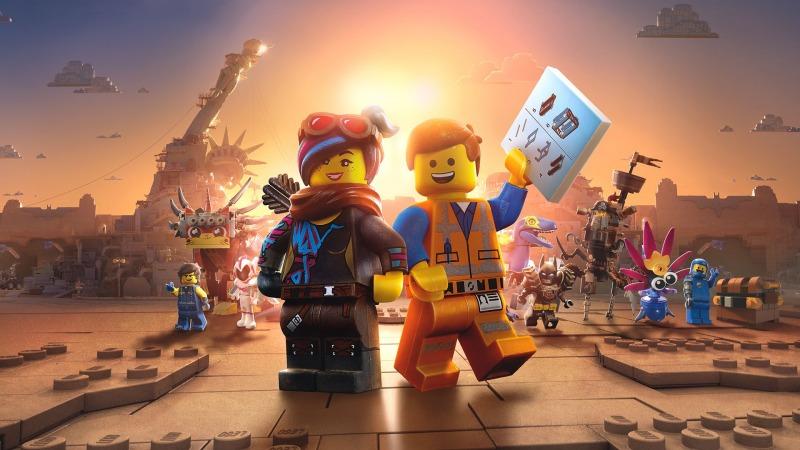 Lucy e Emmet em Uma Aventura Lego 2