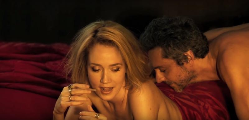 Camila Morgado e Alexandre Nero em cena de Albatroz