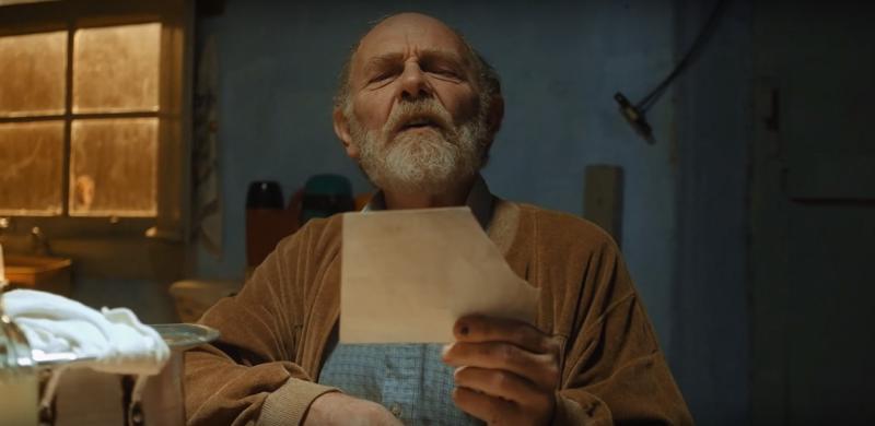 Arthur Kohl é Seu César, caminhoneiro que paquera a avó de Laís em Sobre Rodas