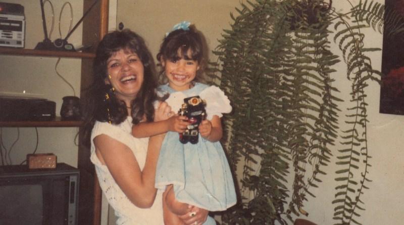 Isabel e sua filha, Kelly em Elegia de um crime