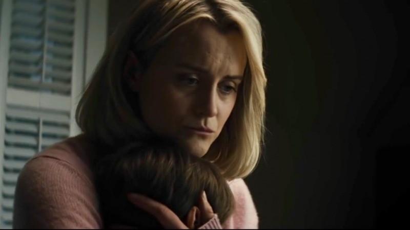 Sarah começa a estranhar o comportamento de seu filho em Maligno