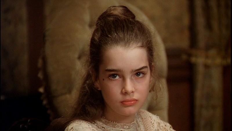 Brooke Shields como Violet