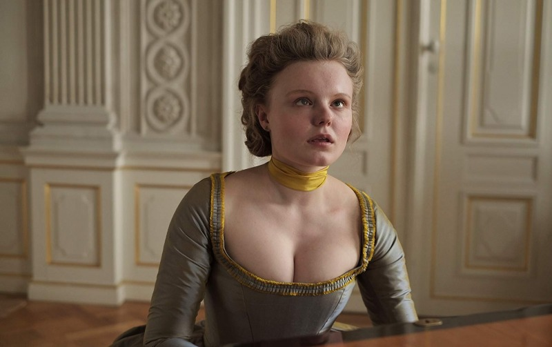 Maria Dragus é Maria Theresia Paradis