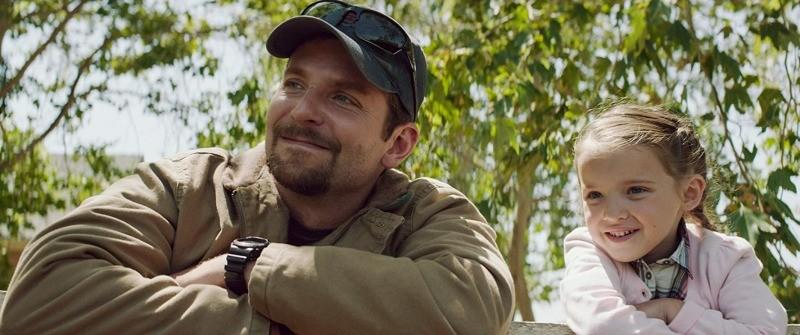 Bradley Cooper é Chris Kyle em Sniper Americano