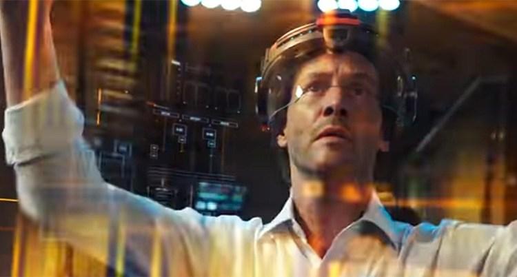 Keanu Reeves interpreta um cientista com complexo de Deus em Cópias - De Volta à Vida