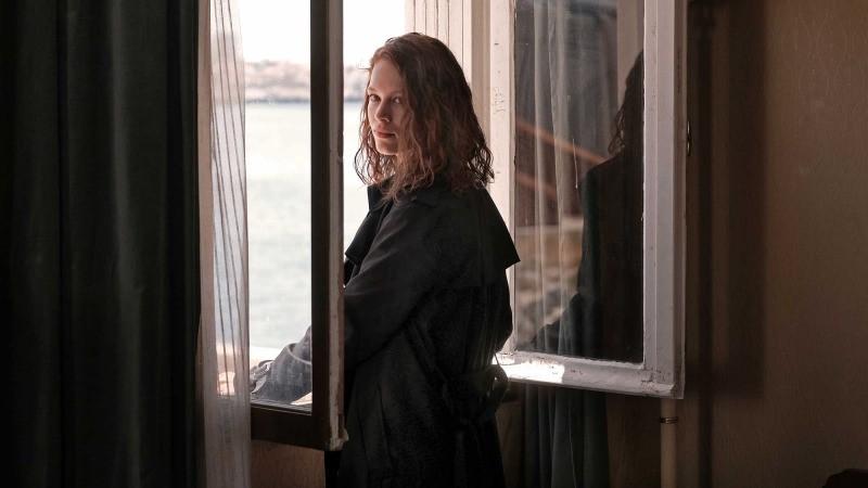 Paula Beer em cena do filme