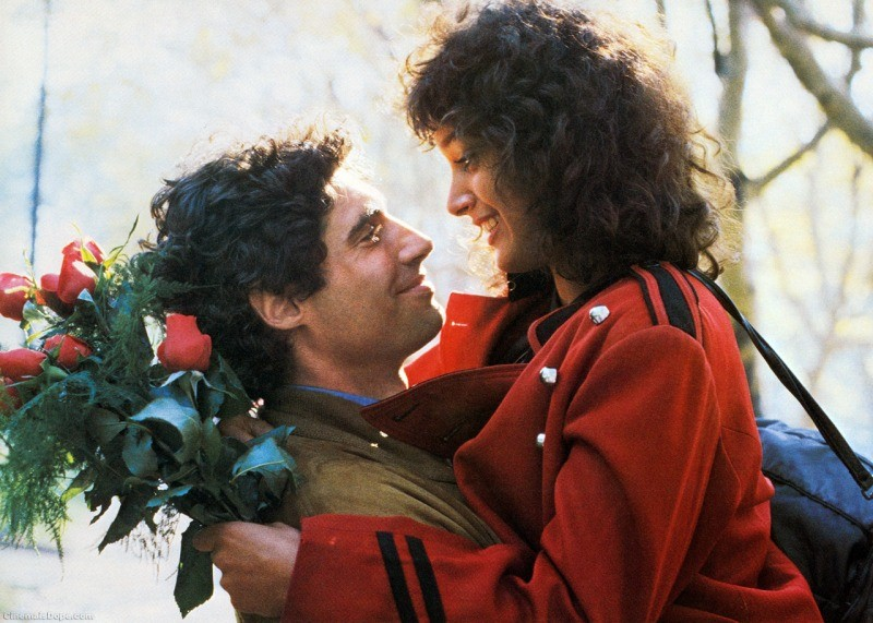 Jennifer Beals e Michael Nouri em cena do filme Flashdance