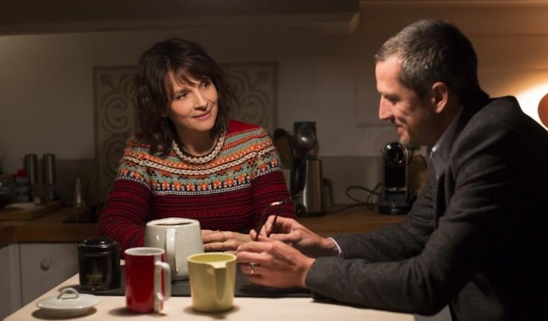Juliette Binoche e Guillaume Canet em cena do filme Vidas Duplas