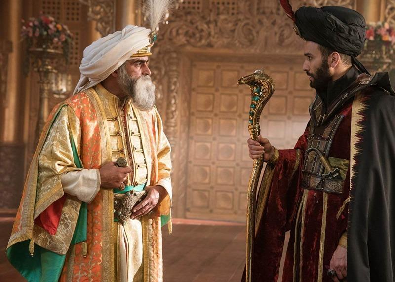 O Sultão e Jafar, que usa seu cajado para hipnose