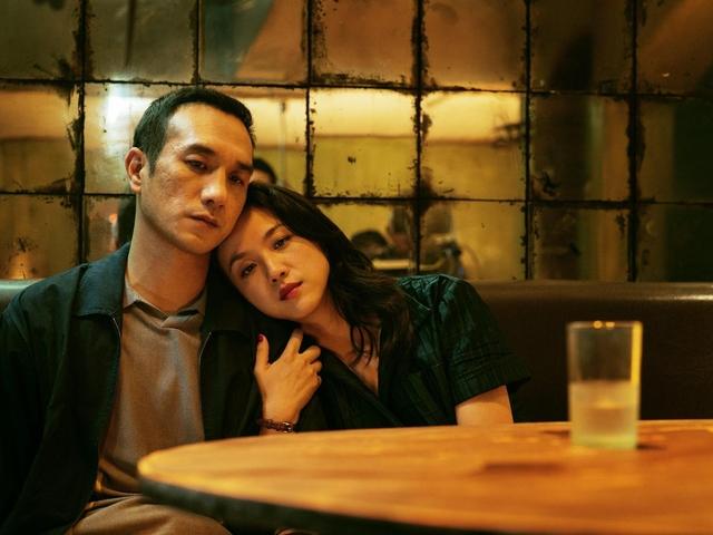 No filme, Luo procura por Wan