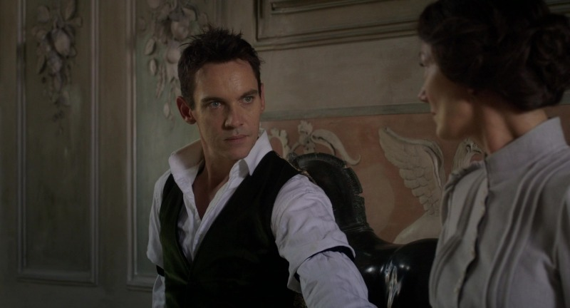 Jonathan Rhys Meyers como Morton Vint em Os Papéis de Aspern