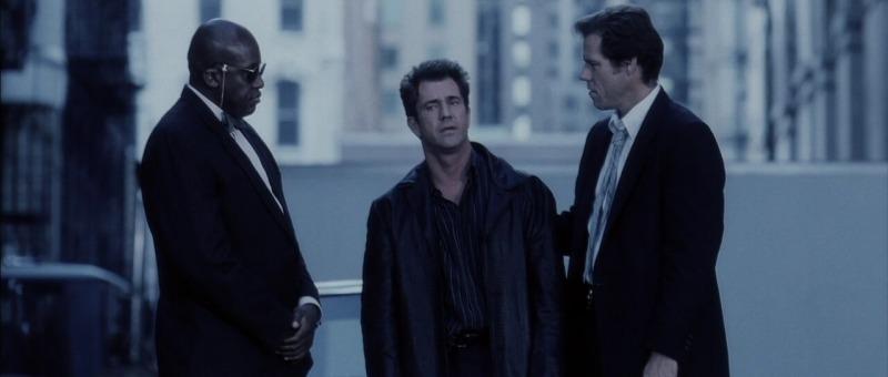 Mel Gibson em cena de O Troco