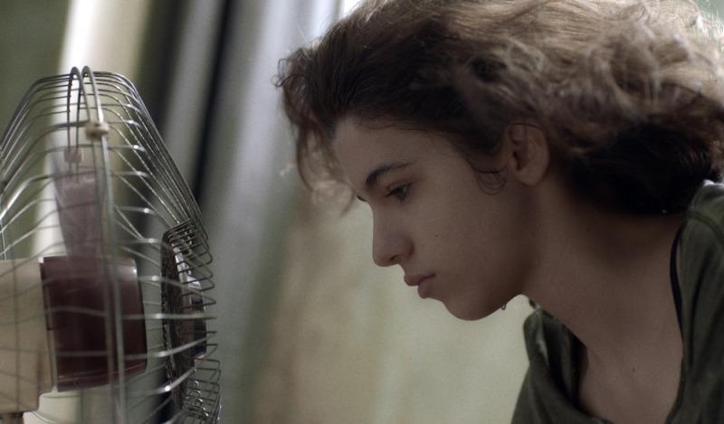 Jeanne Boudier em cena do filme Deslembro