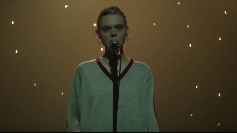 Violet sonha em ser cantora
