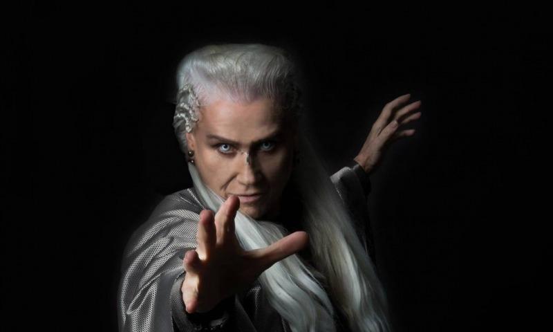 Vera Holtz interpreta Merlin