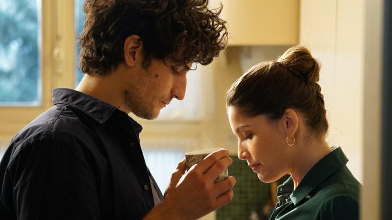 Louis Garrell e Laetitia Casta em cena do filme Um Homem Fiel