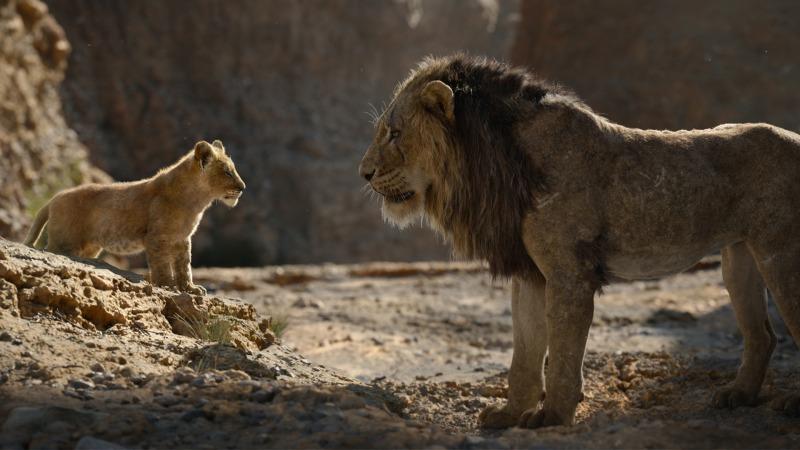 Scar espanta Simba do reino em O Rei Leão