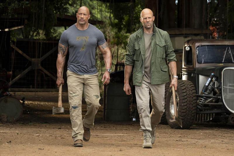 Jason Statham e Dwayne Johnson em Hobbs & Shaw