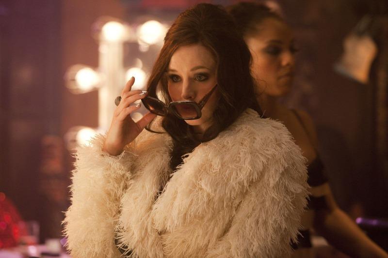 Kristen Bell como Nikki em Burlesque