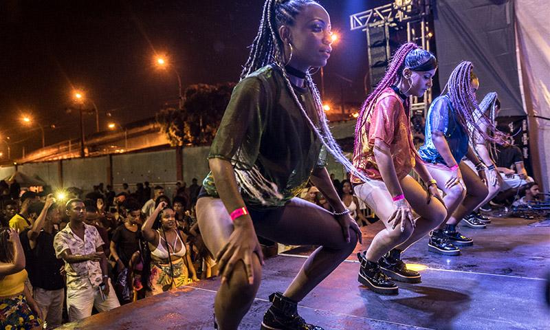 O funk aparece como um espaço onde a mulher tem domínio do seu corpo e da sua sexualidade