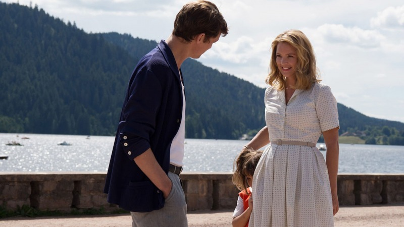 O filme acompanha a relação entre Philippe, Rachel e Chantal