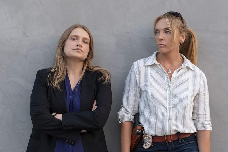 Merritt Wever e Toni Collette em Inacreditável