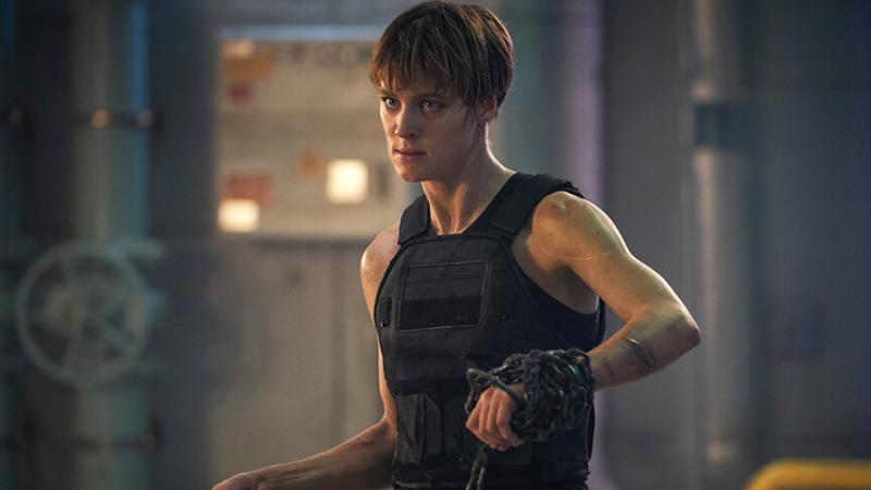 Mackenzie Davis é Grace em O Exterminador do Futuro: Destino Sombrio